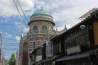 京町家とレンガ造り (西本願寺・伝道院)