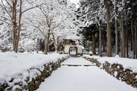 雪の山門 (古知谷・阿弥陀寺)