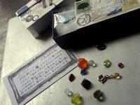 天然石 in マッチボックス