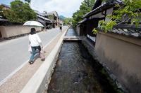 静かな街の聖なる流れ (上賀茂神社・社家町)