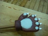 「けものフレンズのヒグマの熊手」の張り子を作ってみました。