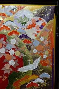 鶴の描かれた振袖