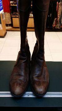 ロングブーツ 靴磨き!