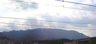 福知山駅から見る山