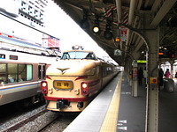 ダイヤ改正で引退・急行「能登」車両が回送中! 2010/03/19 21:45:26